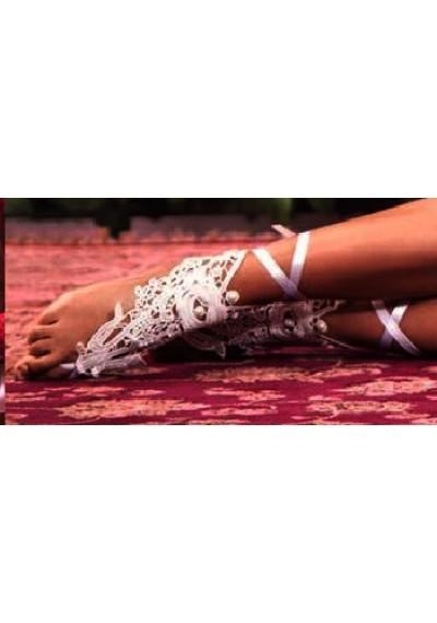 Detalhe para pés em guipir - Marfim
